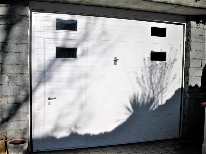 Porta bascualnte coibentata con vetri