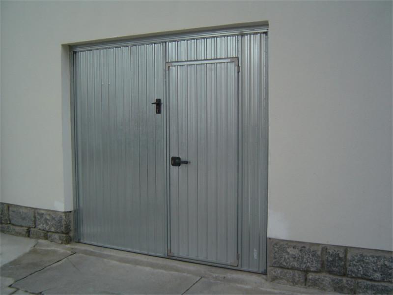 Porta basculante in lamiera zincata